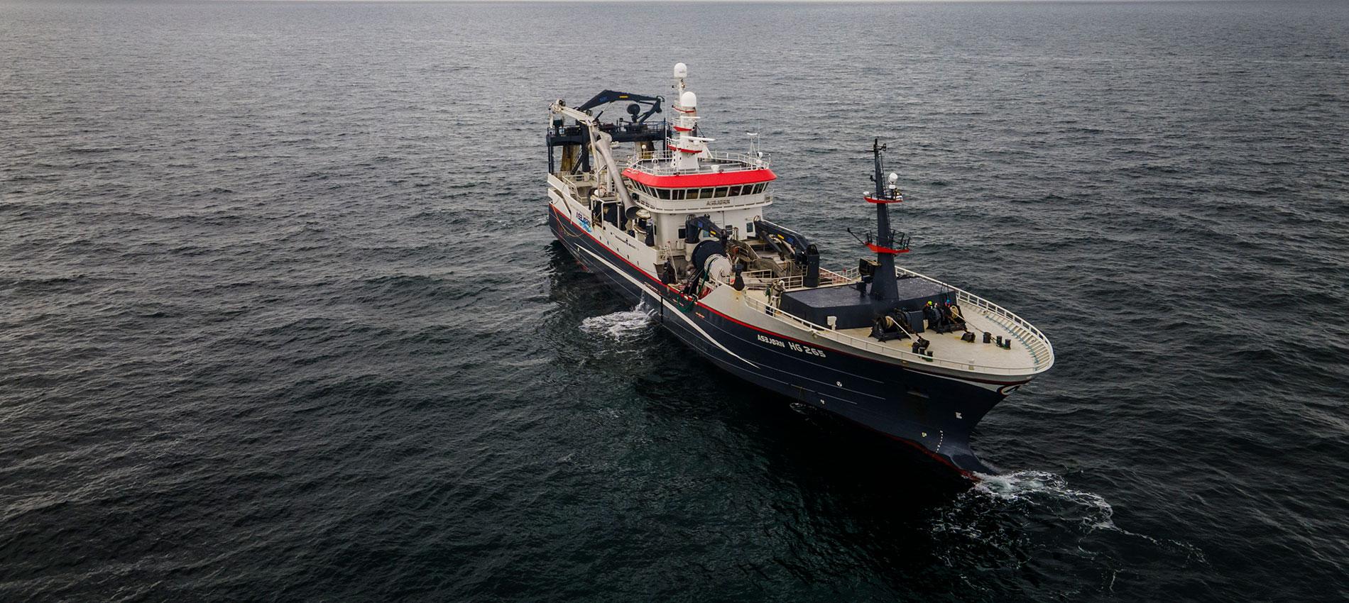 DPPO - Fartøjet Asbjørn ude på havet